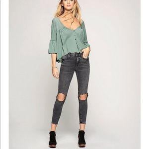 NWT FREE PEOPLE Blue Busted Knee Jeans